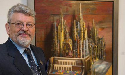 """Michael Lassel vor seinem Gemälde """"Dom II"""""""